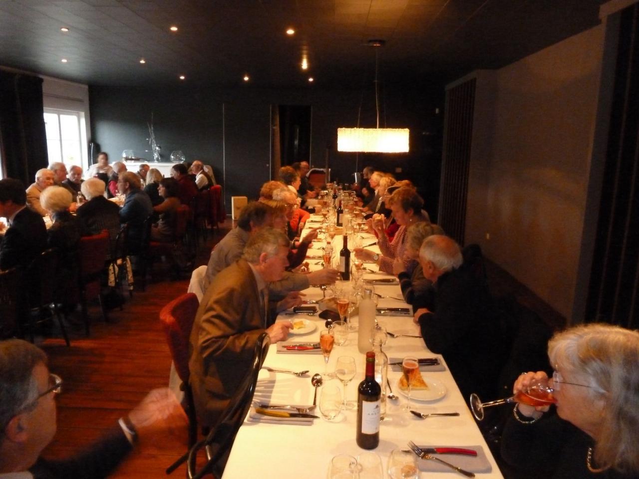 Au restaurant Le Saint-Sylvestre